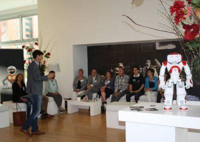Workshop robots in de zorg, Robotverhuur