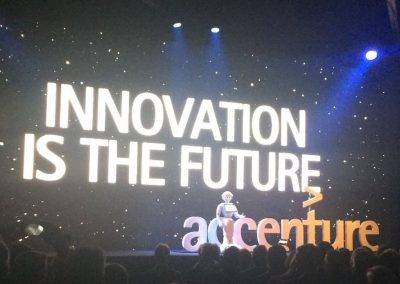 pepper-on-stage-bij-accenture