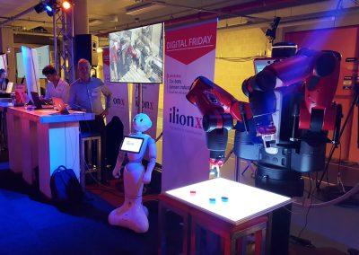 Experience baxter robot and Pepper robot