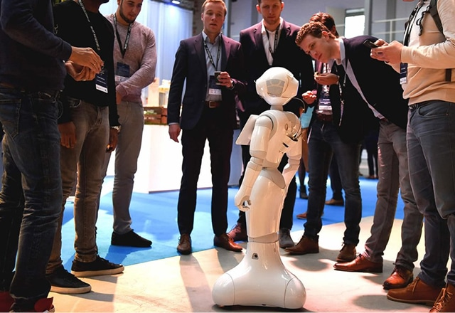 Innovatie dag, Robot voor een beurs huren